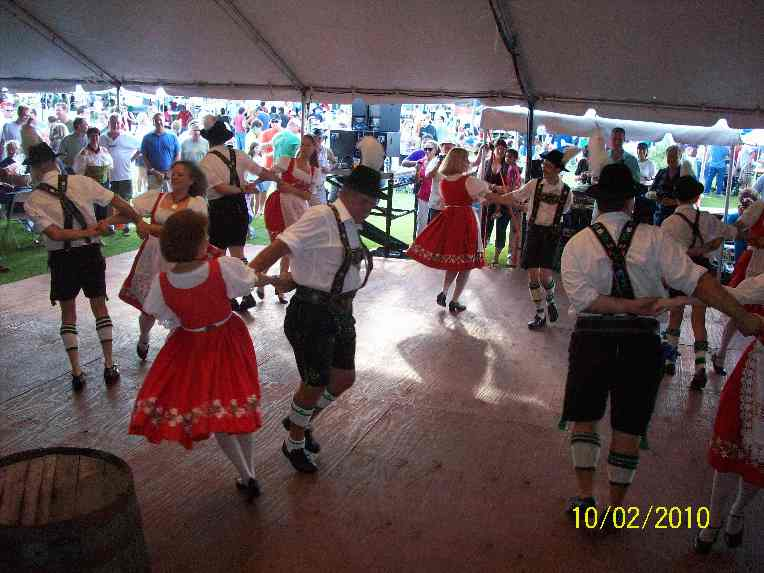 Euro Express Band plays Oakland Park Oktoberfest, Oct 6-8, 2017